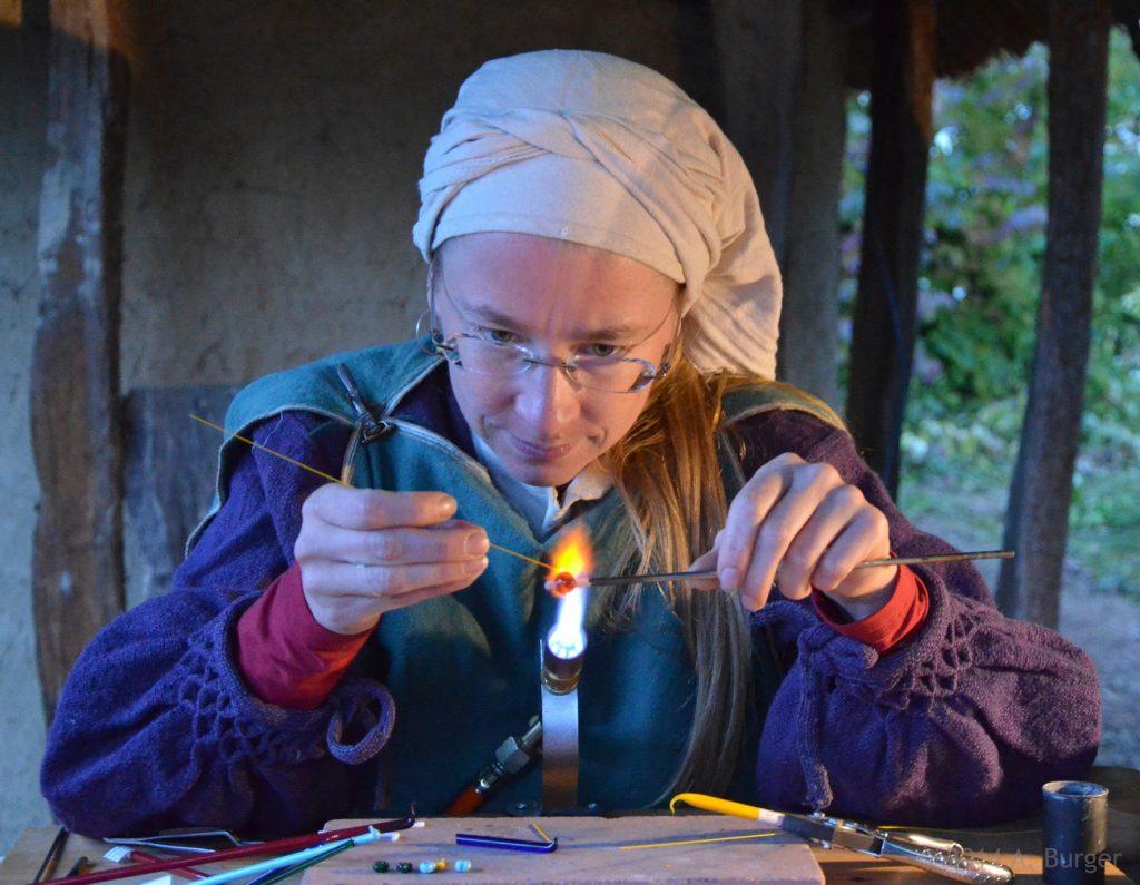 Glasperlenherstellung zeitsache am Alamannen-Museum